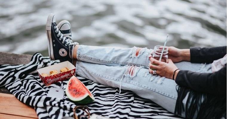 Jeansy damskie – znajdź model idealny dla siebie