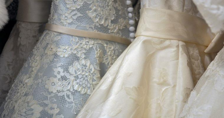 Wesele na jesieni – jaką sukienkę wybrać?