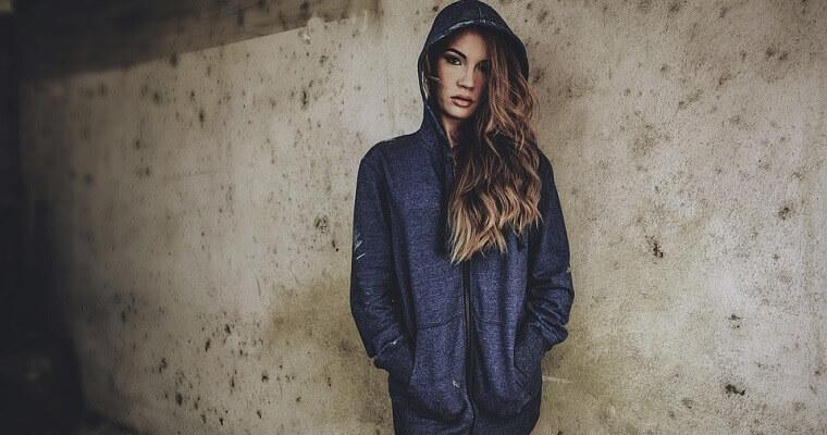 Bluzy rozpinane damskie – znajdź model dla siebie