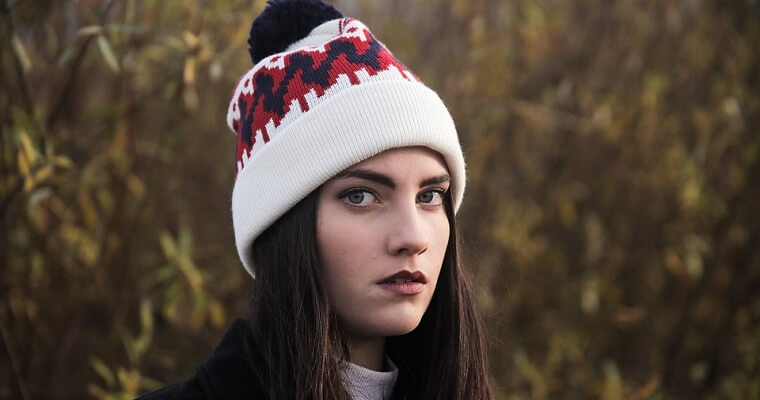 Damskie czapki zimowe: ciekawe modele
