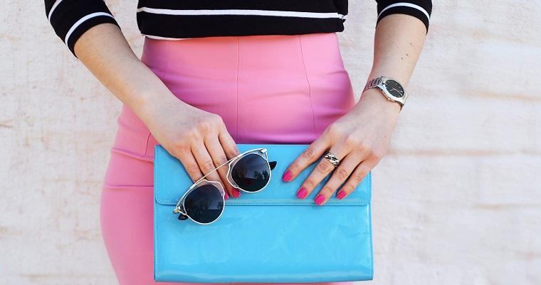 Kolorowe kopertówki – na jakie odcienie postawić?
