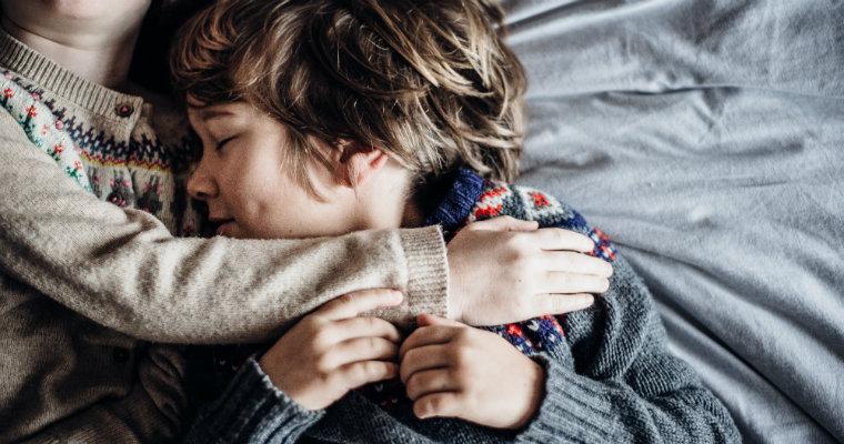 Swetry dziecięce idealne na chłodne dni