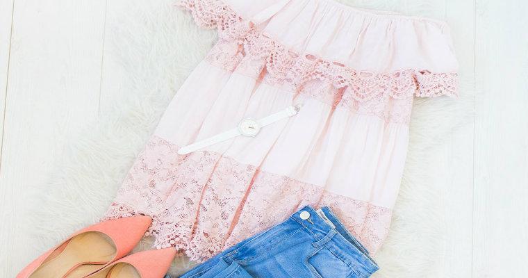 Bluzki koronkowe – stylowe i bardzo kobiece