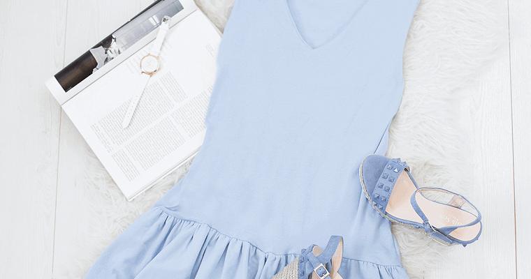 Najmodniejsze kolory sukienek na wakacje