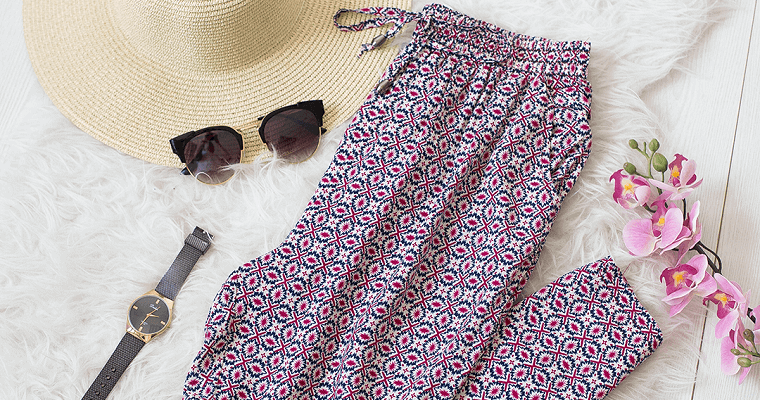 Spodnie z materiału we wzory: jakie wybierać?