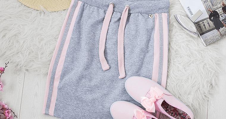 Sportowy styl: ubrania i dodatki