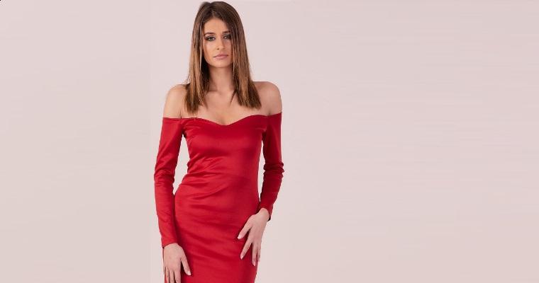 Czerwona sukienka na Walentynki – ciekawe modele