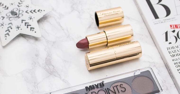 Makijaż karnawałowy – co warto mieć w kosmetyczce?