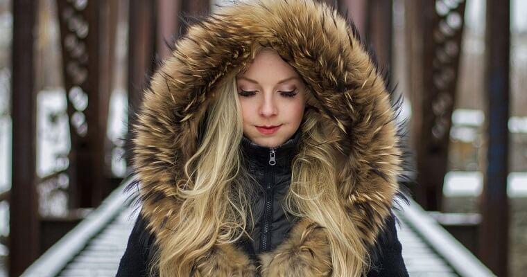Stylowe zimowe kurtki – najlepsze modele