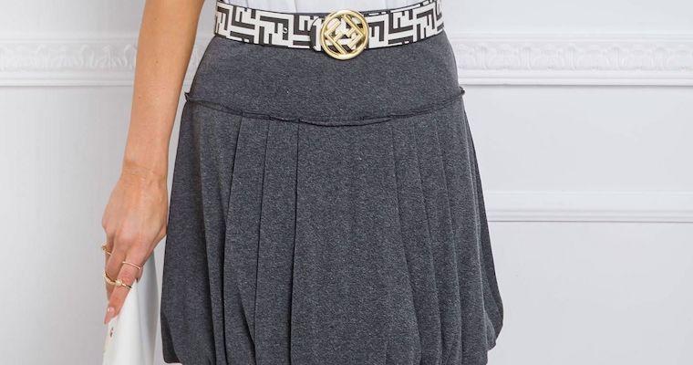 Spódnice dresowe na co dzień – propozycje stylizacji
