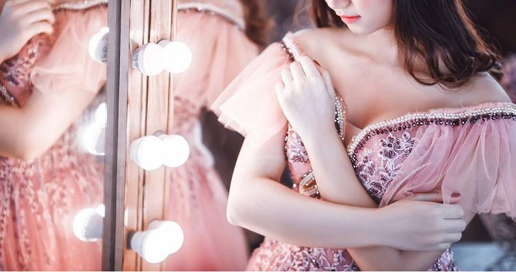 Sukienki na wesele na wiosnę