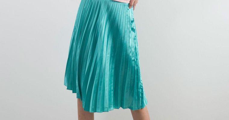 Spódnica plisowana – prawdziwy hit lata