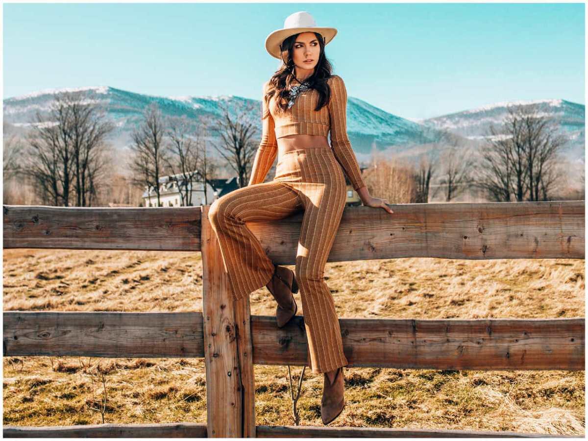 taki komplet damski reprezentuje styl country dostępny w sklepie ebutik.pl