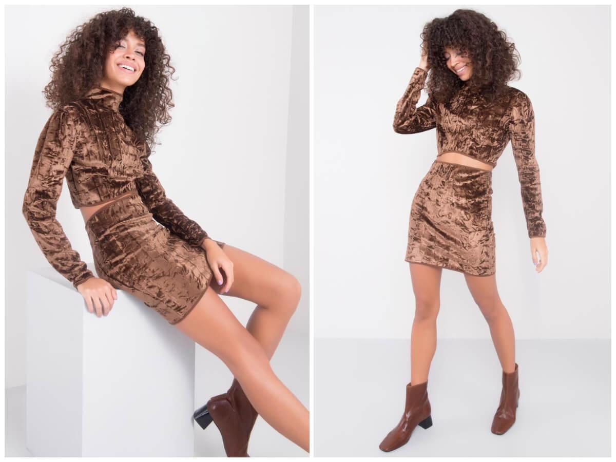 Welurowy komplet damski w kolorze brązowym z dopasowaną spódnica mini