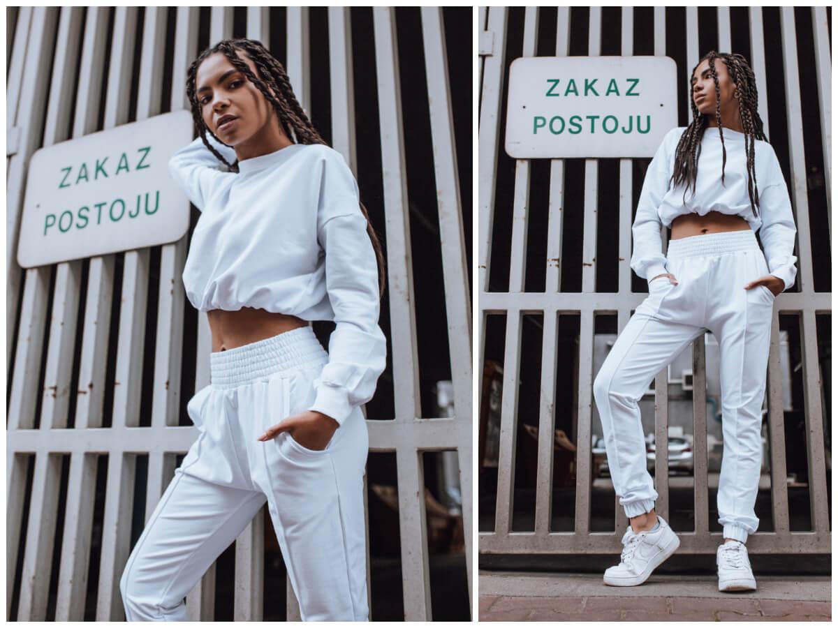 Biały komplet dresowy na jesień z bluzą i spodniami