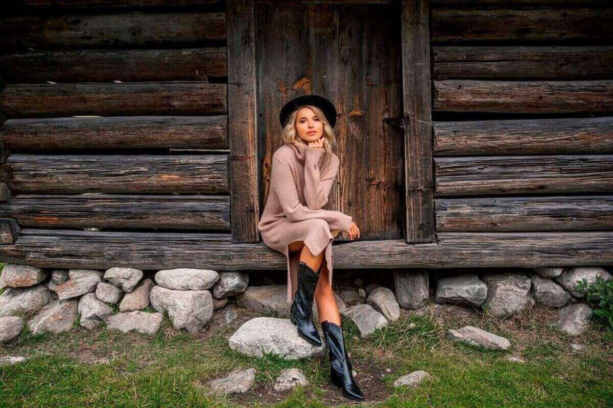 Sweterkowe sukienki na jesień – najpopularniejsze kolory i fasony