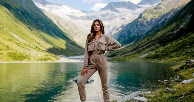 Kombinezony damskie – jeans czy bawełna?