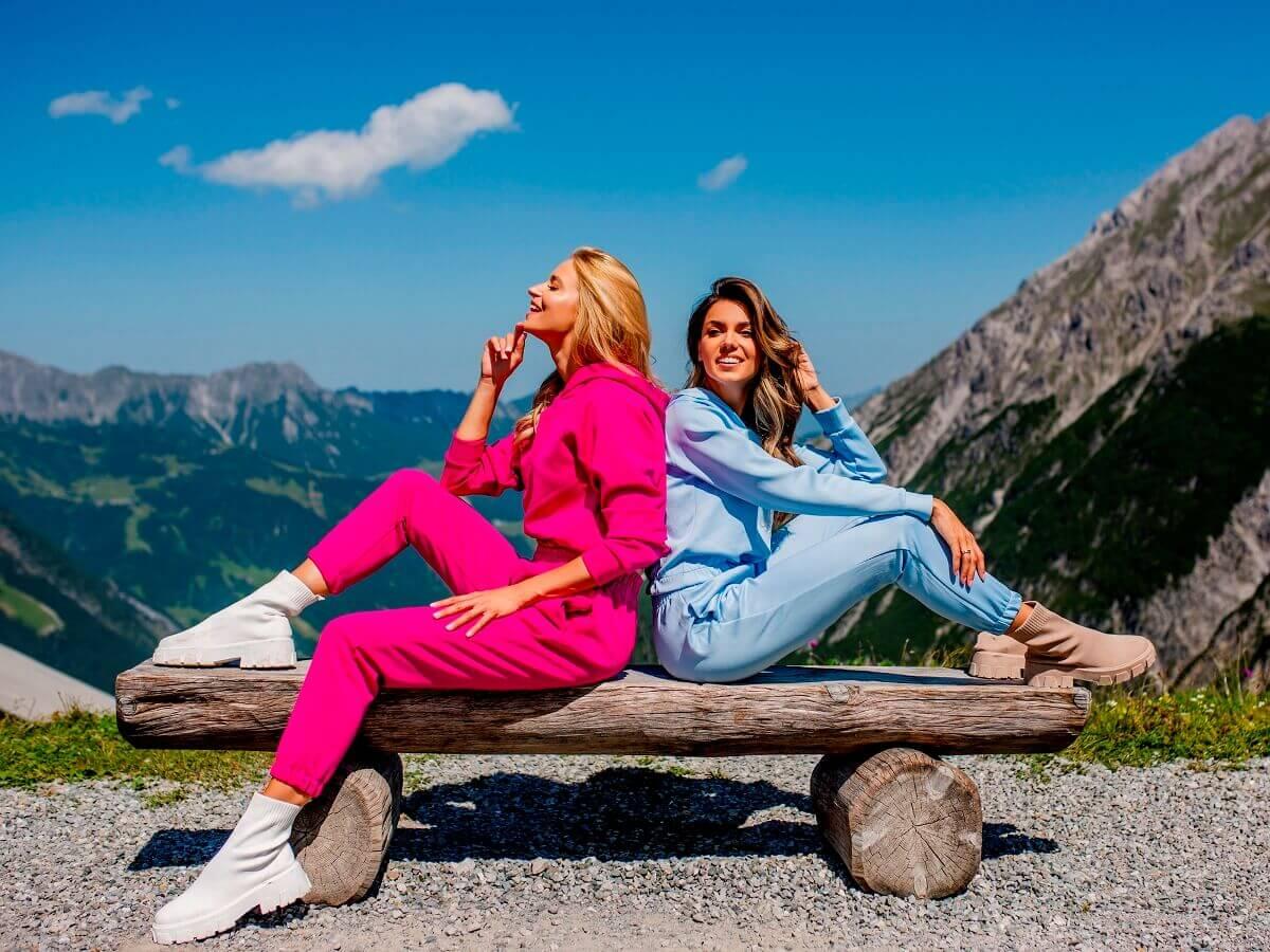 Kolekcja basic w eButik.pl zawiera także modne komplety damskie